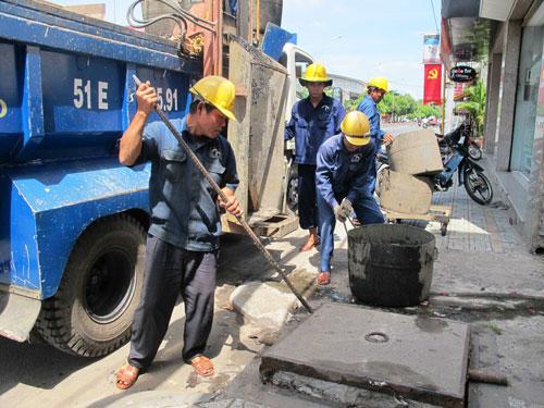 Thông tắc cống tại phố Trịnh Công Sơn 0967.813.856 Hết Tắc Gía Rẻ